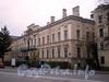 Наб. Лейтенанта Шмидта, д. 37. Дом А. П. Брюллова (Здание торгового дома «Губбард и К°»). Общий вид здания. Фото октябрь 2009 г.
