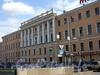 Наб. реки Фонтанки, д. 120 / Измайловский пр., д. 2. Офицерская казарма лейб-гвардии Измайловского полка (б. дом М. А. Гарновского). Фасад по набережной. Вид с Измайловского моста. Фото 2004 г.