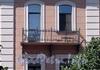 Наб. реки Мойки, д. 95. Дом С. Крамера (Г. А. Лепена). Корпус по набережной. Решетка балкона. Фото июнь 2010 г.