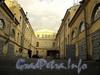 Наб. Лейтенанта Шмидта, д. 5 / Академический пер., д. 16. Двор. Вид со стороны Академического переулка. Фото август 2010 г.
