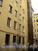 Наб. Кутузова, д. 18. Доходный дом Д.Д. Орлова-Давыдова. Во дворе здания. Фото сентябрь 2010 г.