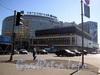 Пироговская наб., д. 5 (гостиница «Санкт-Петербург») и Финляндский пр., д. 4, лит. А (бизнес-центр «Петровский форт»). Вид с Пироговской набережной. Фото апрель 2004 г.
