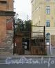 Пироговская наб., д. 11. Ворота. Фото июль 2009 г.