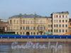 Пироговская наб., д. 13 (правая и центральная части). Общий вид с Петроградской набережной. Фото апрель 2010 г.