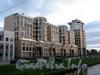 Песочная наб., д. 40.жилой комплекс «OMEGA-HOUSE». Фасад по набережной Карповки. Фото сентябрь 2010 г.