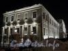 Университетская наб., д. 11. Ночная подсветка здания. Фото январь 2011 г.