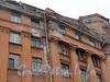 Наб. реки Карповки, д. 30. Фрагмент фасада здания. Фото март 2011 г.