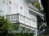Наб. Малой Невки, д. 12, лит. А. Балкон западного фасада особняка. Фото сентябрь 2010 г.