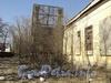 Свердловская наб., д. 22. Бывшая дача Д. Н. Дурново. Территория перед главным входом. Фото апрель 2011 г.