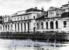 Наб. реки Фонтанки, д. 10. Соляной городок. Центральная часть главного корпуса. Фото 1990-х гг. (из книги «Улица Пестеля (Пантелеймоновская)»)