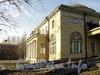Наб. Малой Невки, д. 11. Западный фасад здания. Фото апрель 2011 г.