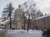 Наб. реки Монастырки, дом 1. Свято-Троицкий Собор.Вид со стороны здания ризницы и древлехранилища. Фото февраль 2012 г.