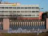 Выборгская наб., д. 37. Вид с Аптекарской набережной. Фото апрель 2004 г.