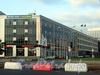 Выборгская наб., д. 61 (корпус по Кантемировской улице) и Кантемировская ул., д. 2. Вид с Выборгской набережной. Фото сентябрь 2011 г.