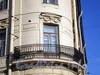 Наб. канала Грибоедова, д. 34 / Москательный пер., д. 2. Доходный дом М.А.Стенбок (акционерного общества «Треугольник»). Угловой балкон. Фото август 2009 г.