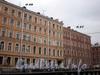Дом 49 по набережной канала Грибоедова и дом 27 по Гороховой улице. Фасады доходного дома по набережной. Фото апрель 2009 г.