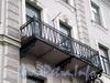 Наб. реки Мойки, д. 110. (Средний корпус). Бывший доходный дом. Балкон. Фото март 2009 г.