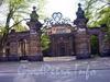 Ограда дворца вел. Кн. Алексея Александровича, 2004 г.