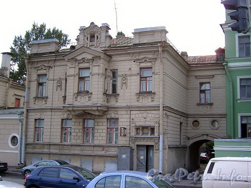 Петроградская наб., д. 8 (средний корпус). Общий вид. Фото сентябрь 2004 г.