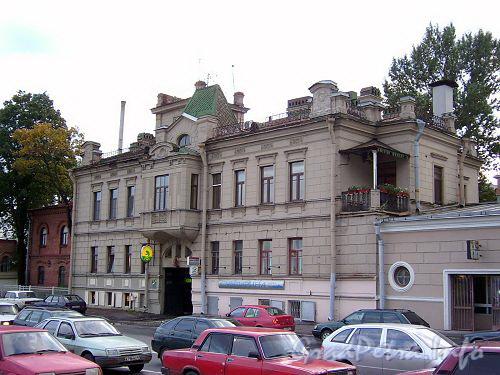 Петроградская наб., д. 8 (левый корпус). Общий вид. Фото сентябрь 2004 г.