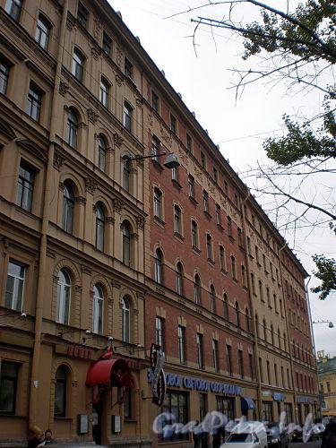 Наб. канала Грибоедова, д. 54 / Сенная пл., д. 13. Доходный дом Н. В. Безобразовой. Фасад по набережной. Фото октябрь 2009 г.