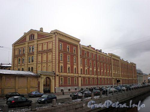 Наб. канала Грибоедова, д. 133. Здание казарм Гвардейского экипажа. Общий вид здания. Фото ноябрь 2009 г.