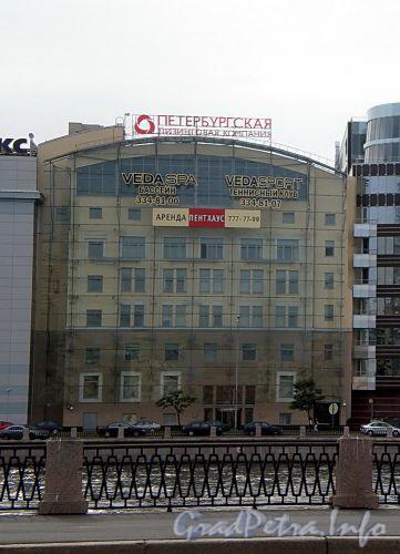 Петроградская наб., д. 20. Здание бизнес-центра «Веда-Хаус». Фасад здания. Фото июль 2009 г.