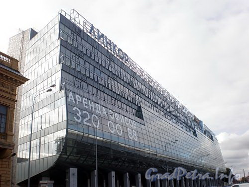 Петроградская наб., д. 34. Бизнес-центр «Линкор». Общий вид здания. Фото август 2009 г.