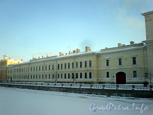 Наб. реки Мойки, д. 96. Здание Военной коллегии (б. дворец П. И. Шувалова). Фасад здания. Фото январь 2010 г.