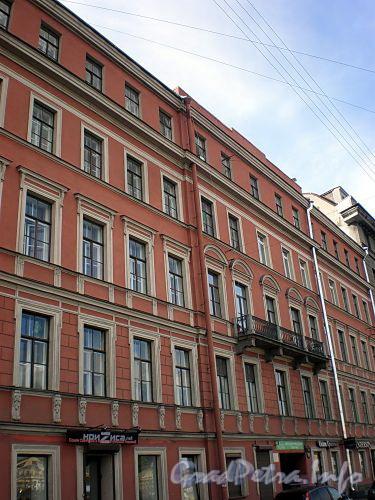 Наб. реки Фонтанки, д. 17. Бывший доходный дом. Фасад здания. Фото август 2009 г.