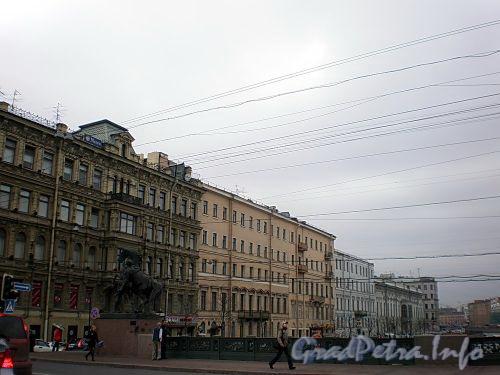 Перспектива нечетной стороны набережной реки Фонтанки от Невского проспекта в сторону Итальянской улицы. Фото апрель 2009 г.