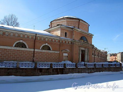Наб. реки Мойки, д. 4. Здание Придворного конюшенного ведомства. Фрагмент фасада. Фото март 2010 г.