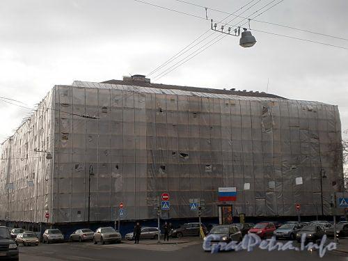Наб. реки Фонтанки, д. 57 / пл. Ломоносова, д. 3. Реставрация фасадов. Фото март 2010 г.