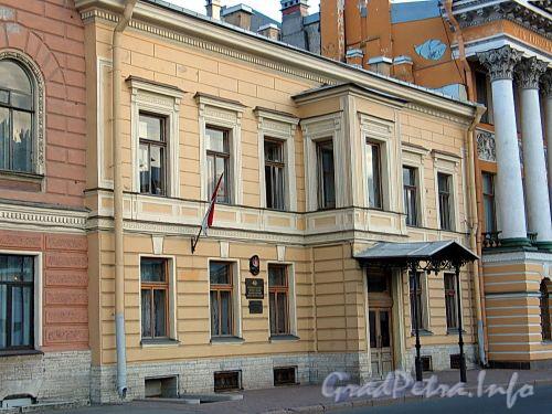 Английская наб., д. 42. Резиденция Почетного Генерального консула Великого Княжества Монако. Фото июнь 2010 г.