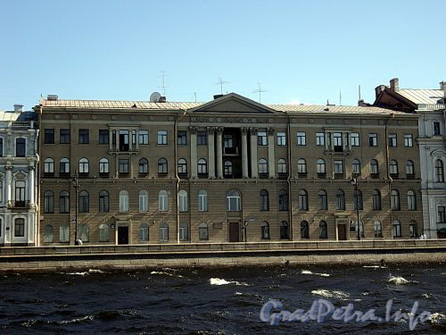 Дворцовая наб., д. 12-14-16. Фасад здания. Фото июнь 2010 г.