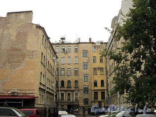 Наб. Мартынова, д. 6. Вид со двора. Фото сентябрь 2010 г.