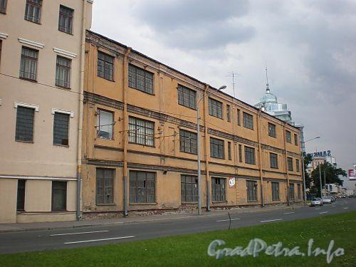 Пироговская наб., д. 11. Производственное здание. Фото июль 2009 г.
