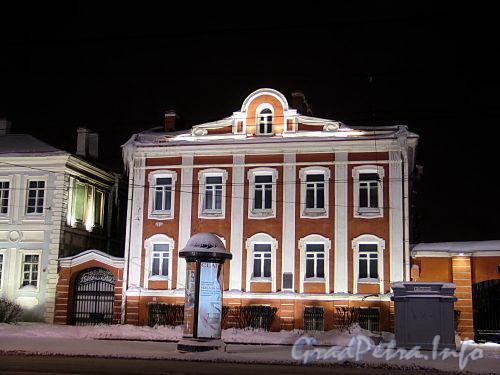Ректорский флигель СПбГУ в ночной подсветке. Фото январь 2011 г.
