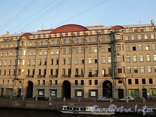 Наб. реки Мойки, д. 58. Фасад здания. Фото август 2010 г.