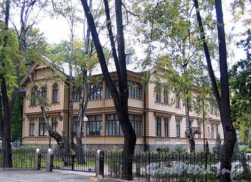 Наб. Малой Невки, д. 33, лит. А. Общий вид. Фото сентябрь 2010 г.
