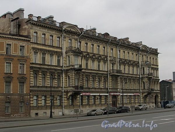 Наб. Робеспьера, д. 30. Фасад здания. Фото ноябрь 2011 г.