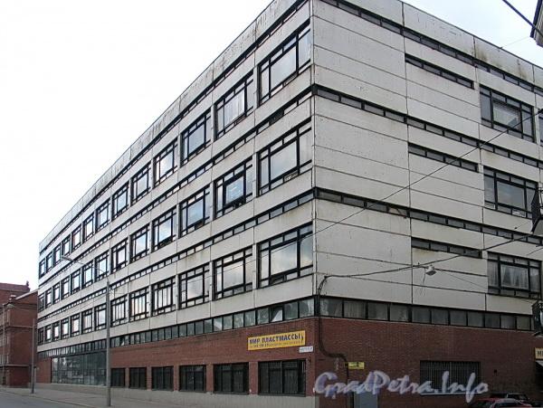 Выборгская наб., д. 37. Общий вид производственного здания. Фото сентябрь 2011 г.