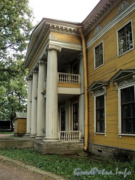 Выборгская наб., д. 63. Садовый фасад. Фото сентябрь 2011 г.
