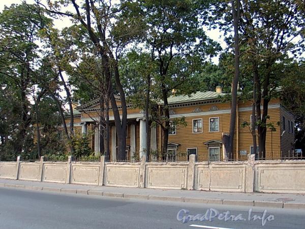 Выборгская наб., д. 63. Главный фасад. Фото сентябрь 2011 г.