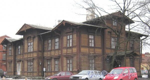 Наб. Обводного канала, дом 116 корпус 2. Общий вид с Варшавского проезда. Фото март 2012 г.