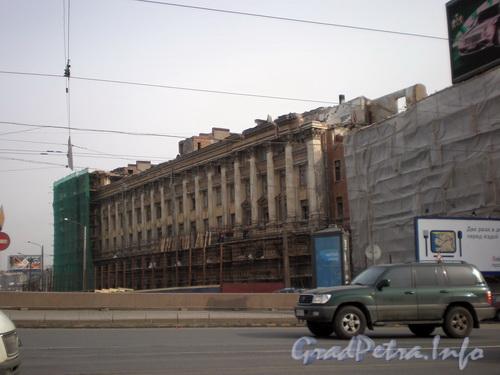 Наб. Робеспьера, д. 32. Работы по демонтажу здания. Фото апрель 2008 г.