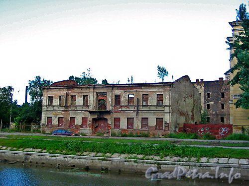 Ушаковская наб., д. 3. Фото 2004 г.