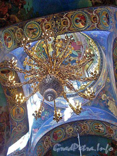 Центральное освещение Спаса-на-Крови