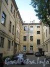 Английская наб., дом 40. Вид со стороны двора. Фото июнь 2012 г.