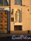 Дворцовая наб., д. 2. Дворец принца А. П. Ольденбургского. арх. В. П. Стасов. 1830-е. Фрагмент входа.